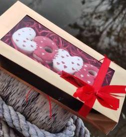 کوکی های مخصوص ولنتاین همراه با جعبه تزئینی